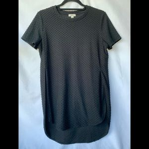 Small, Wilfred Anvers long black t-shirt